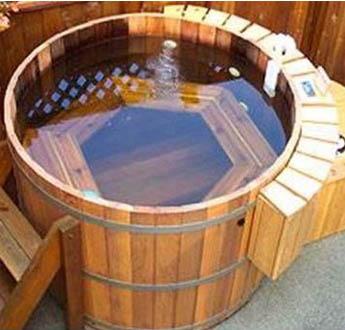Cedar Tubs - Aqua Therapy Tub